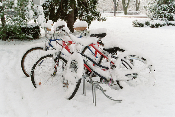 4411A_Bikes in Snow in Stockholm