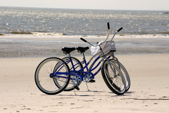 4759_Bicycles on the Beach